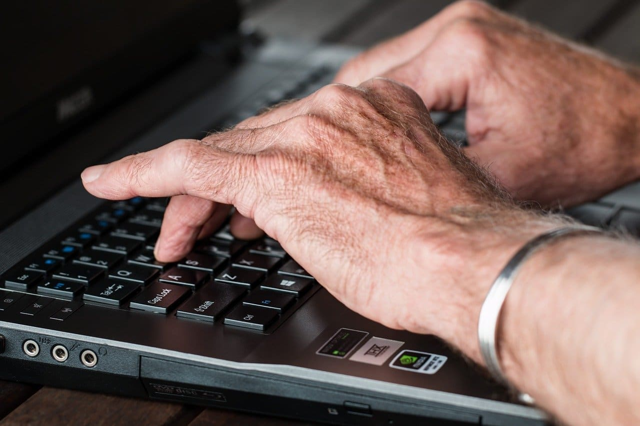 L'illectronisme en France avec les personnes âgées!