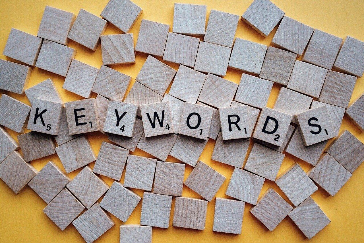 Ubersuggest: Générateur d'idée mots-clés