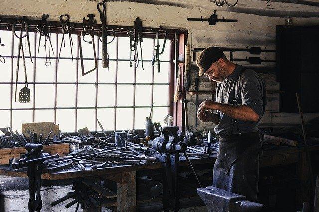Quels sont les salaires des artisans du bâtiment ?